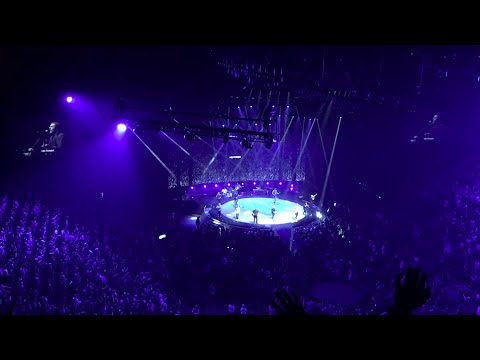 Hillsong United performing at Hillsong Conference NYC 2016