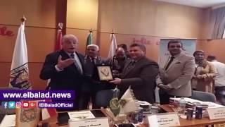 رئيس جامعة بنها يكرم محافظ جنوب سيناء.. فيديو وصور