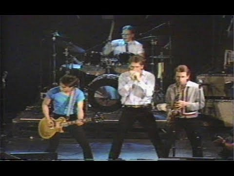 Huey Lewis & the News - MTV Saturday Night Concert (1982)