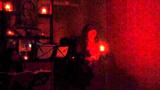 """Nắng thuỷ tinh """"acoustic"""" (Trịnh Công Sơn) - Lê Thu Hương - (Mini Show """"Vươn hình hài lớn dậy"""")"""