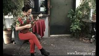 #323 My Brightest Diamond - She does not brave the war (but she saves the day) Acoustic Session