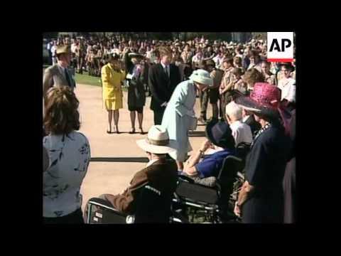 AUSTRALIA: PERTH: QUEEN ELIZABETH II ENDS TOUR