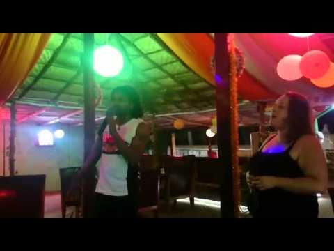 KARAOKE 🎤 Night in Goa at Mum's Curry Restaurant