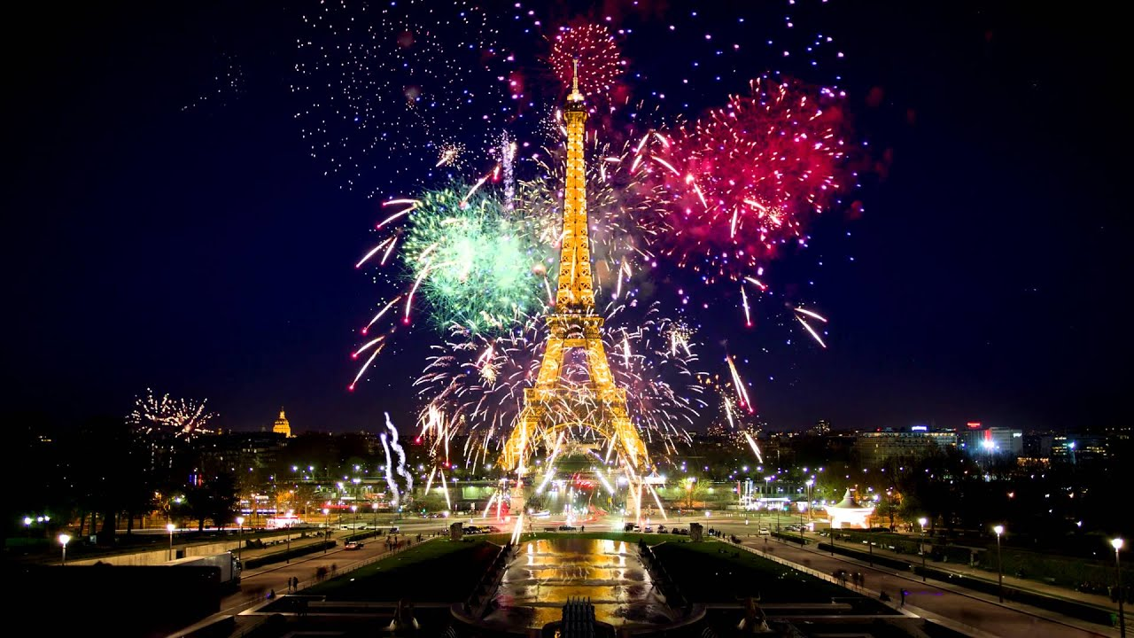 Eiffel Tower during the New Year in 4K Live Wallpaper - YouTube