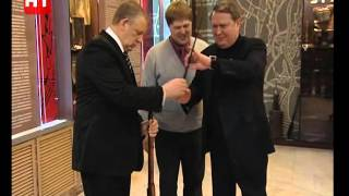 Александр Коровников передал в фонд Зала Воинской Славы семейную реликвию