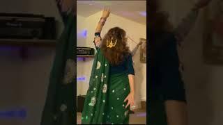 Iranian womans dance on Sholays Jab Tak hai Jaan Basanti