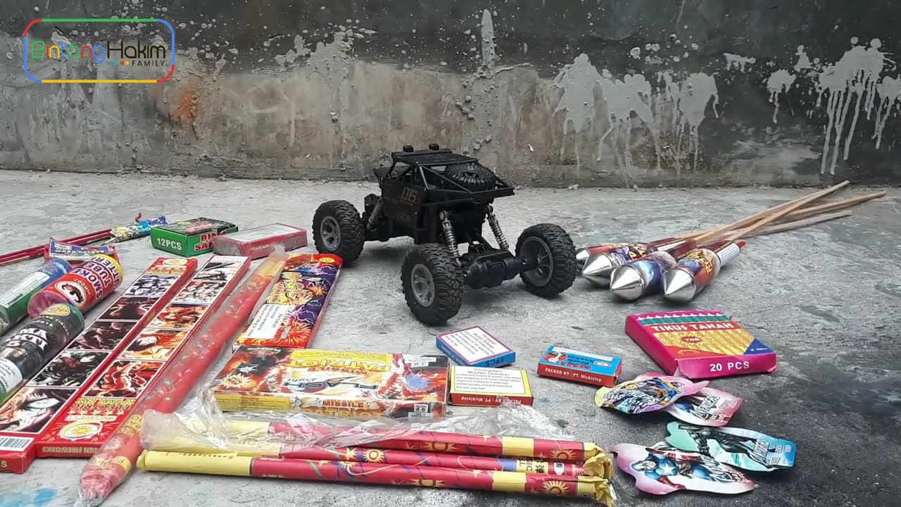 Looking for and Find Lots of unique Fireworks | remote car vs smoke fireworks