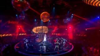 Nelly Furtado - Maneater [LIVE] (Original HD) + Letra