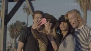 Snapchat ya permite cambiar entre la cámara frontal y la posterior mientras grabamos