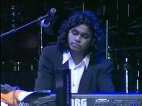 Flautist Naveen Kumar Performing Bombay Theme - ARRahman Dubai Concert
