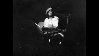 1974年11月10日長野市民会館で行われた秋の全国ツアー 17歳、初めての拓...