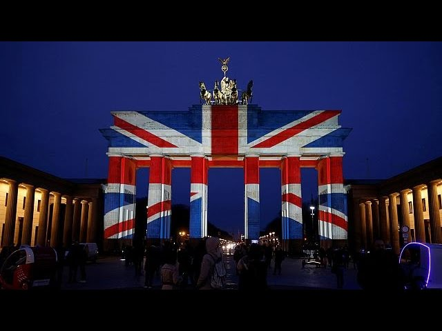 Brandenburg Gate turns into giant Union Jack after the terror attack on London's Parliament