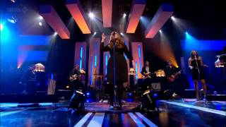 Adele Rolling in The Deep-Jools Holland Live