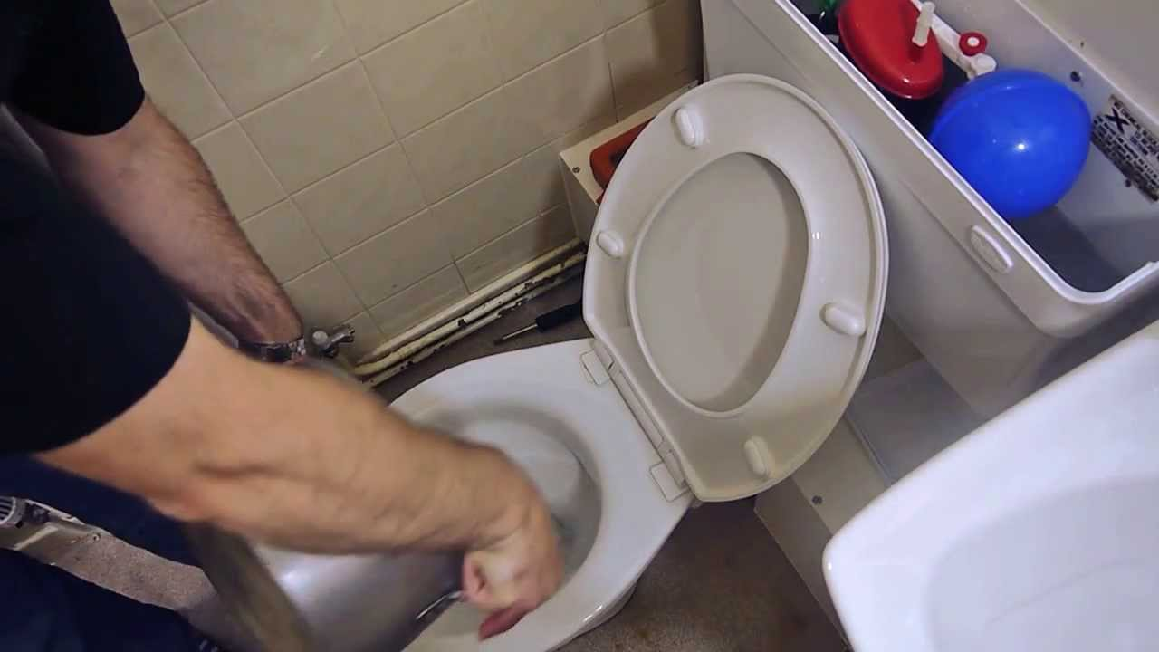 What to do if your toilet overflows or is blocked - YouTube