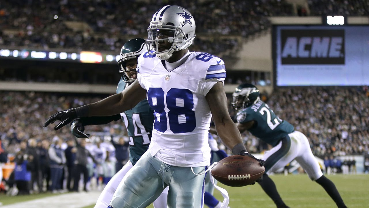 Tony Romo Drops One To Dez Bryant For A Touchdown Week 15 2014