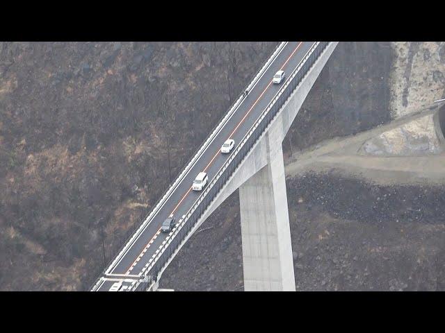 地震で崩落から5年、新阿蘇大橋が開通 全長525m