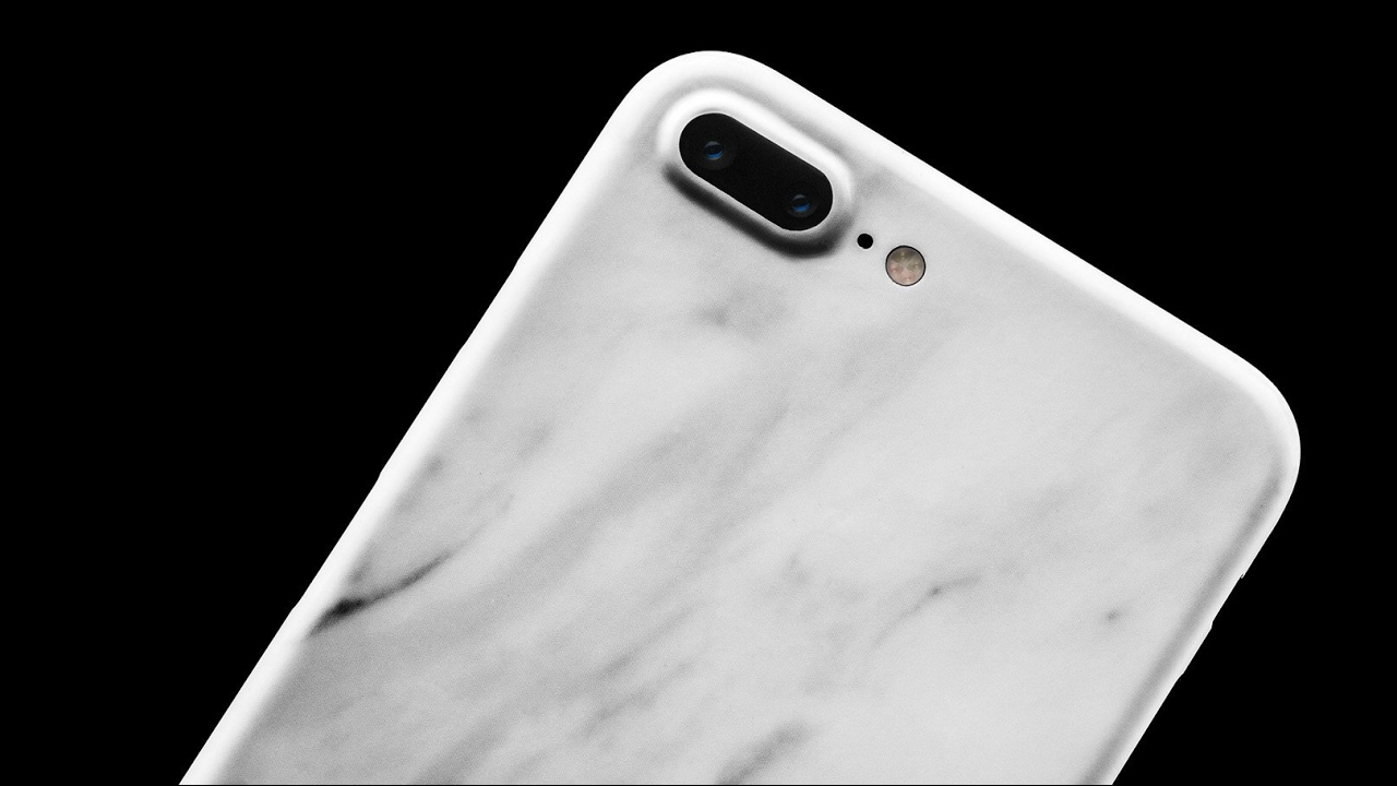 reputable site 4aa73 6de6d Dbrand Skin iPhone 7 Plus Review: The Best iPhone 7 Plus Case/Skin