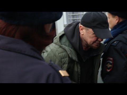 В Ярославле известного олигарха судят за насилие над 12-летними девочками