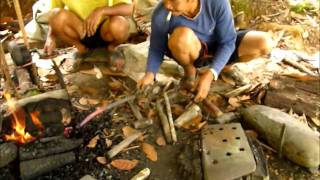 Video Ray Mears style parang's real users in Borneo download MP3, 3GP, MP4, WEBM, AVI, FLV April 2018