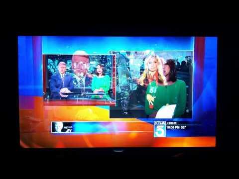 En plena transmisión atacaron y manosearon a una sexy periodista