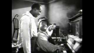 "Meade Lux Lewis Boogie Woogie clips - 1946 ""New Orleans"" + 1961 ""Chicago & All That Jazz"""