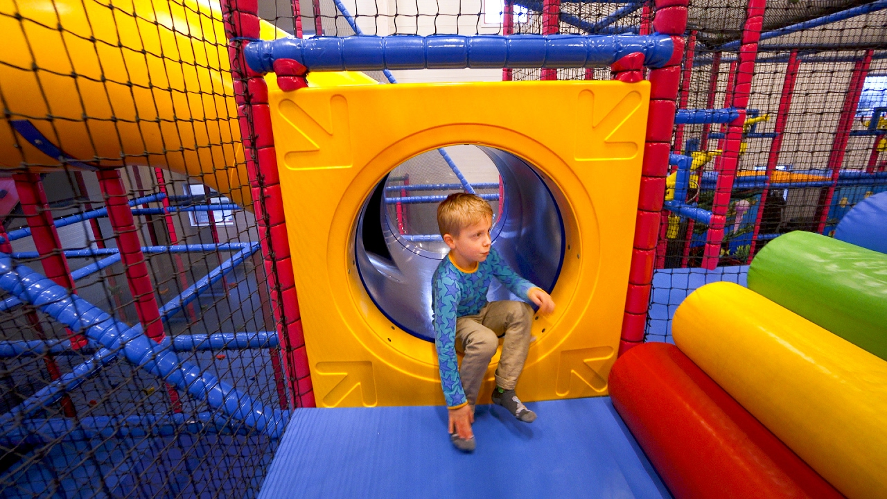Playground fun for kids at stella 39 s indoor play center 2 for Best indoor playground for toddlers