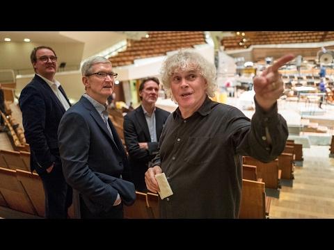 Tim Cook in der Berliner Philharmonie