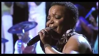 Gambar cover Rebecca Malope ft Sipho Makhabane Yiza Nkosi LIVE