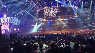 Alexa Bliss vs Nia Jax entrance wrestlemania34 08.04.2018