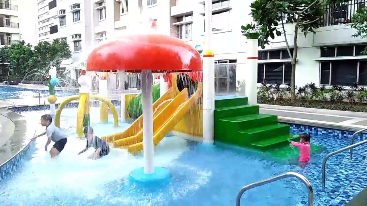 Manhattan Parkview Swimming Pool You