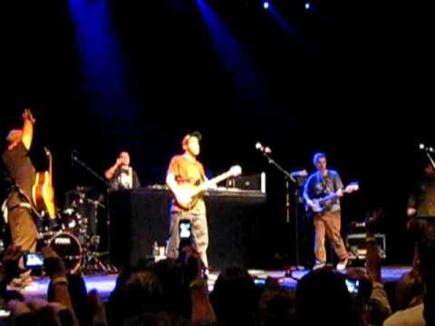 Beastie Boys & Tenacious D - Time For Livin' - Denver
