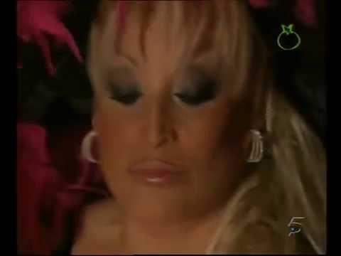 2006.Aramis Fuster cuenta sus mentiras para salir en televisión ...porque sino no sale....