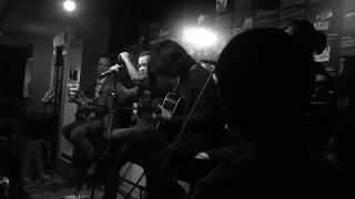 Hoa ban trắng - Bức tường, Hiếu Kirk ft. Hiếu Trần[1995 Buc tuong Story][Acoustic Rock 3]