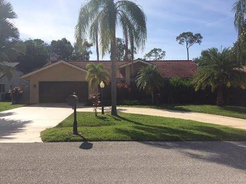Let's play GOLF!!!!! Lease this Beautiful pool home in South Fort Myers!