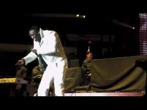 Akon Entrance and