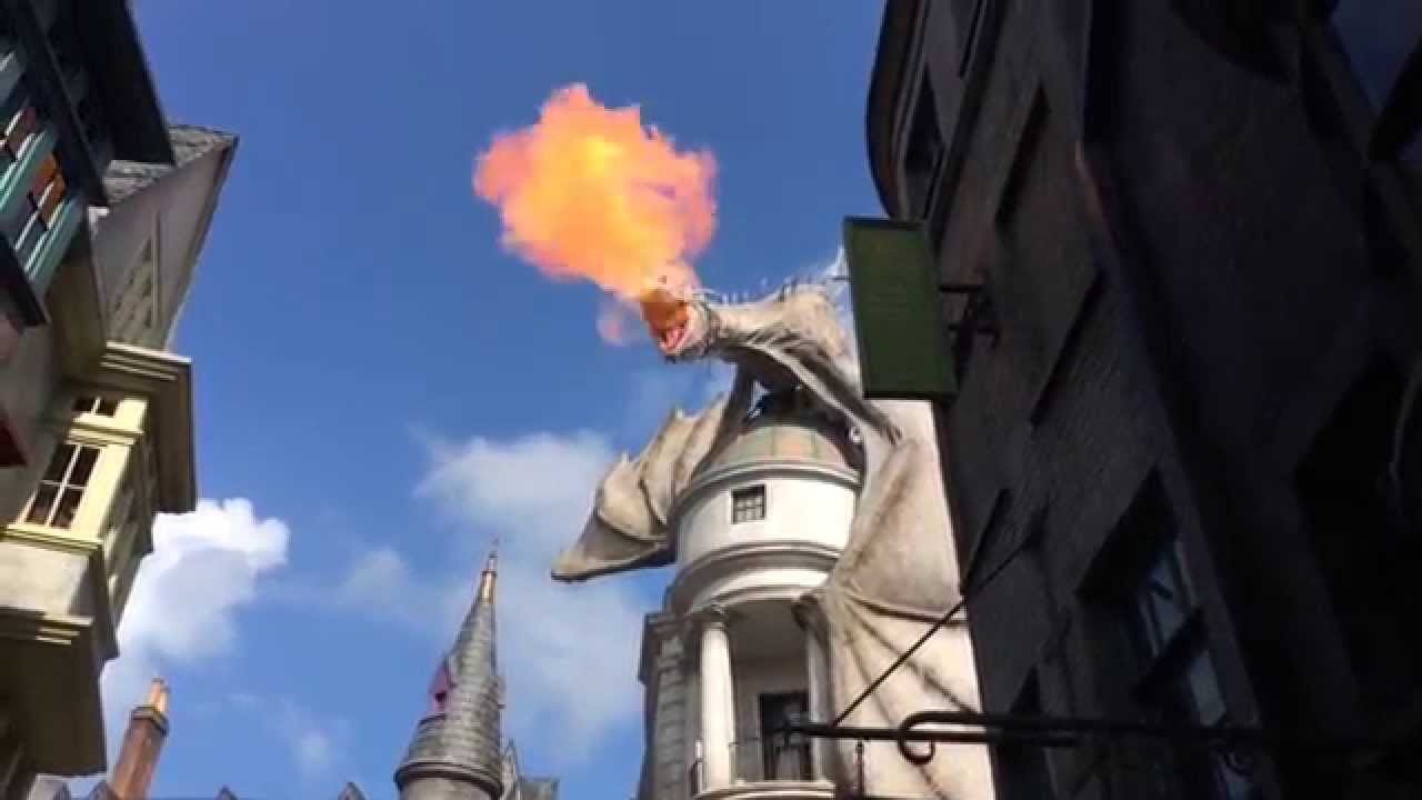 Harry potter fire breathing dragon in diagon alley universal studios harry potter fire breathing dragon in diagon alley universal studios ccuart Choice Image