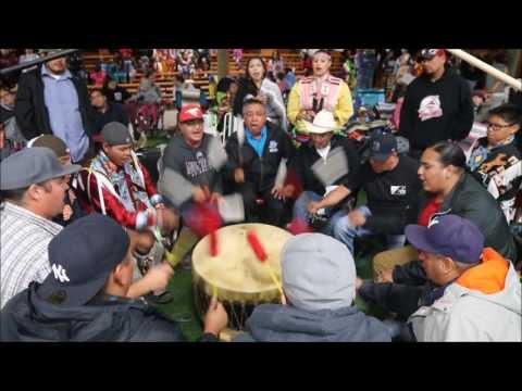 Blackfoot Confederacy @ Piikani Powwow 2016 (Shake Song)