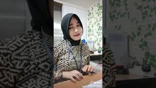 Subhanawloh Cwek hijab cantik main tiktok..