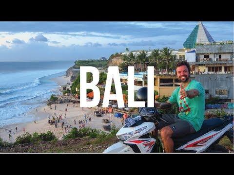 en-moto-por-kuta,-bali,-indonesia