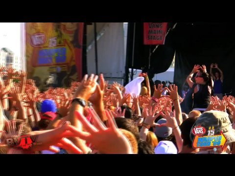 """3OH!3 - """"I Can't Do It Alone"""" Live in HD! at Warped Tour '09"""