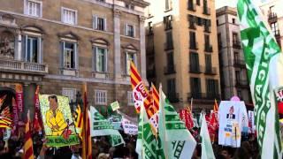1 minut de silenci a la Plaça Sant Jaume #prouretallades #retallades