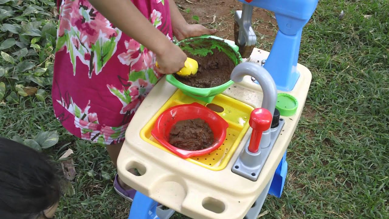 Little Tikes Toys Makin Mud Pies Kitchen Set Toy Review