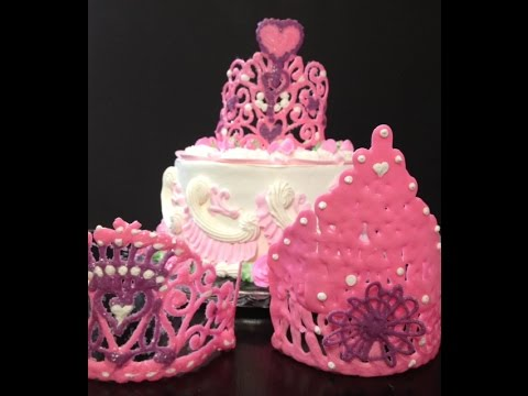 princess-cake-with-crown-/-cake-decorating