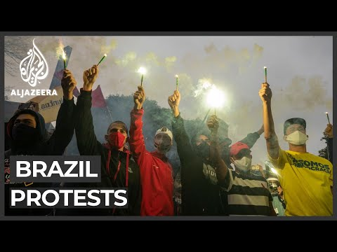 Brazil protests: Mass rally against gov't response to outbre