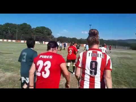 Un partido de fútbol feminino inaugura o Agrocuir da Ulloa