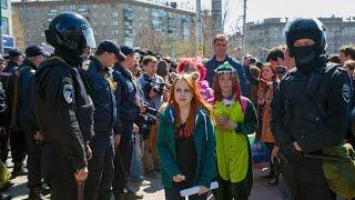 Монстрация 2015. Ограничение демократии или ОМОН на детей
