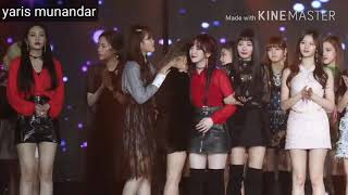 180110 BLACKPINK, TWICE, Suhyun AKMU Comfort About Yeri Crying at GDA 2018