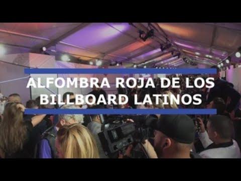 Las estrellas de la canción pasan por la alfombra roja de los Billboard latinos