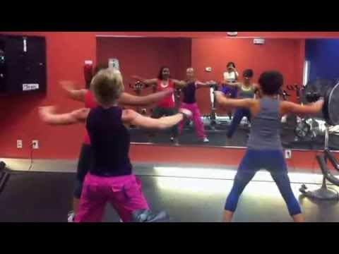 Zumba Party in Pink-Pegate Mas