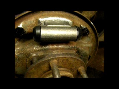 Rear Brake Wheel Cylinder Replacement 2003 Dodge Caravan